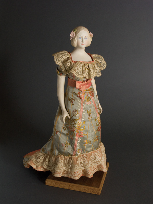 Jenny Lind 1968 Porcelain head & limbs, Cloth body