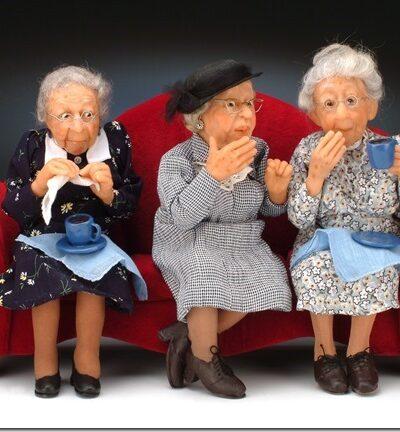 Three Gossips - Annie Wahl